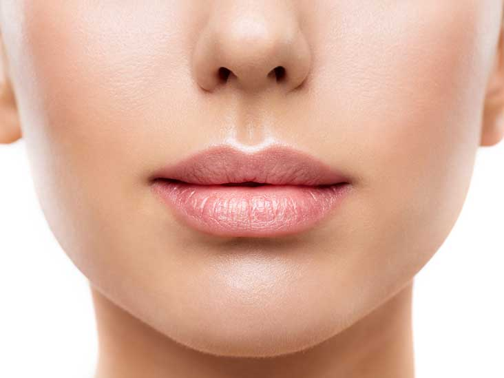 3705-botox_lips_female_732x549-thumb